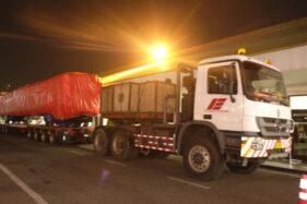 PT Inka mengirim kereta pesanan Bangladesh menggunakan truk untuk menuju dermaga Tanjung Perak Surabaya, Kamis (24/9/2020). (Istimewa/PT Inka)