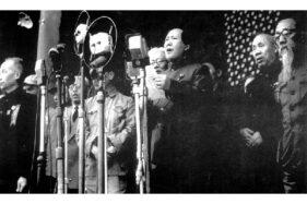 Mao Zedong mendeklarasikan Republik Rakyat Tiongkok pada 1949. (Wikimedia.org)