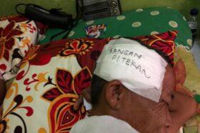 Munipah, pemulung yang kehilangan bayi kembarnya akibat tabrak lari di Jl Piere Tendean, Solo, beberapa waktu lalu. (Solopos/Ichsan Kholif Rahman)