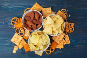 5 Makanan Ini Bisa Bikin Kecanduan, Bahaya Enggak Ya?