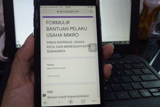 Formulir pengajuan Bantuan Sosial Produktif yang harus diisi pelaku usaha secara online pada situs dinkop.surakarta.go.id, Senin (12/10/2020). Foto ilustrasi. (Solopos/Farida Trisnaningtyas)