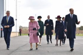 Kunjungan Ratu Elizabeth dan Pangeran William Tuai Kritikan