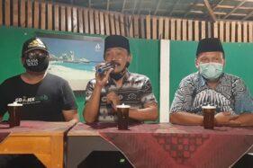 Cawali-Cawawali Solo dari jalur independen, Bagyo Wahyono dan FX Supardjo berbicara di hadapan puluhan driver ojek online Solo, Minggu (18/10/2020) malam di Balekambang Resto, Solo. (Solopos/Kurniawan)