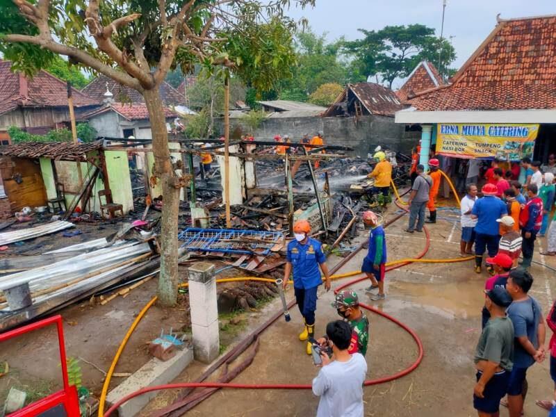 Lagi, Pabrik Bantal dan Guling di Sragen Terbakar