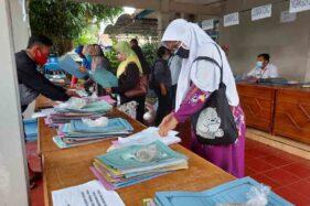 Ilustrasi pengajuan bantuan sosial produktif untuk pelaku usaha mikro (Solopos/Sri Sumi Handayani)