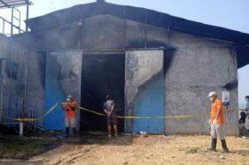 Tim Inafis Polres Grobogan melakukan olah tempat kejadian perkara di kandang milik Ketua DPRD Grobogan di Kecamatan Gubug, Sabtu (24/10/2020). (Istimewa)