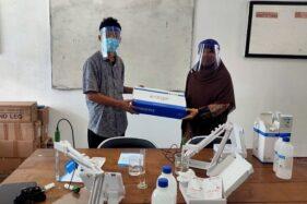 Serah terima dan alat uji fungsi pH meter dari PT Sumber Instrumindo Bandung di terimakan di Kampus ITNY, Jogja. (Istimewa)