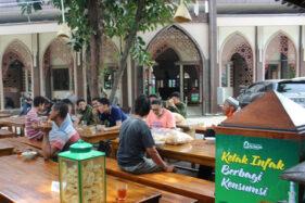 Masjid Al Falah Sragen Buka Warung Makan Gratis, 100 Porsi Ludes Per 2 Jam