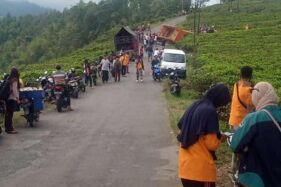 Truk Pengangkut 21 Pendaki Terguling di Jenawi Karanganyar, Begini Kronologinya