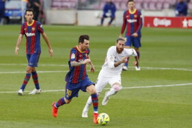 Pertandingan El Clasico Barcelona vs Real Madrid. (REUTERS/Albert Gea)
