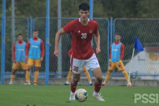 Elkan Baggott menjalani debut bersama Timnas Indonesia U-19. (pssi.org)