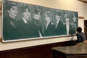 Keren! Guru Gambar Member BTS Pakai Kapur di Papan Tulis