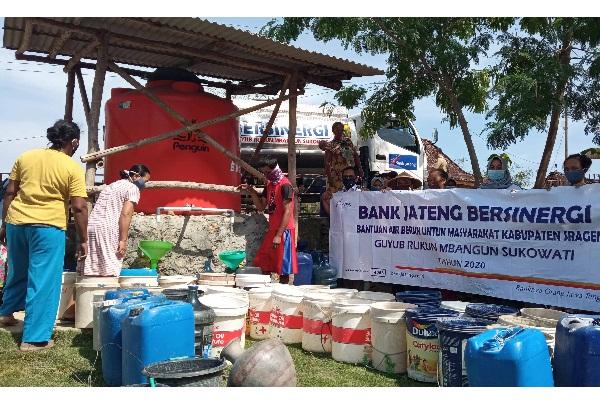 Keceriaan Warga Kowang Sragen Terima Bantuan Air Bersih