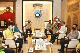 Kapolda Jateng, Irjen Pol. Ahmad Luthfi, menggelar pertemuan dengan Ketua BEM se-Jateng di kantornya, Jumat (16/10/2020). (Istimewa/Bidhumas Polda Jateng)