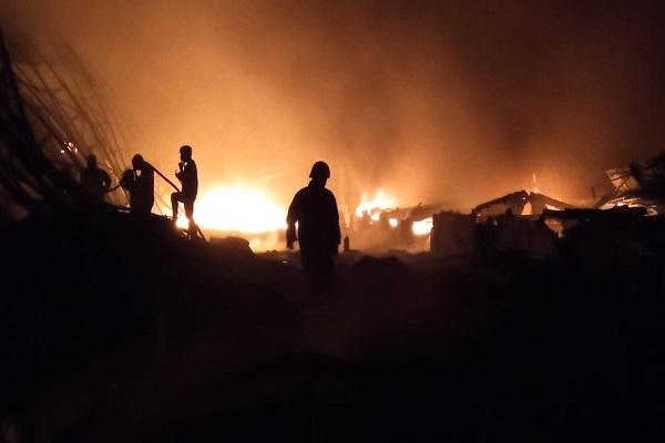 4 Gedung Rusak Berat, Penyebab Kebakaran Pabrik di Kalijambe Sragen Belum Terungkap