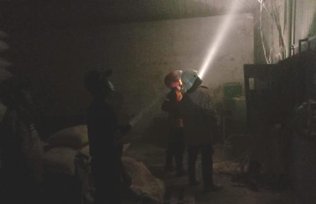 Trafo Meledak, Ruang Panel Listrik Pabrik Makaroni Sragen Terbakar