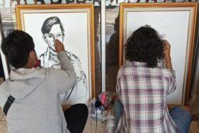 Kegiatan melukis bersama belasan pelukis Solo di Posko Nusantara Bangkit Jl. Ki Mangunsarkoro, Solo, Rabu (28/10/2020). (istimewa)