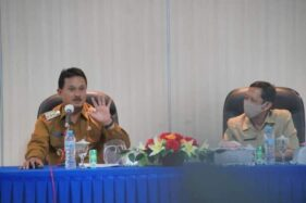 Wali Kota Madiun Maidi (kiri). (Istimewa/Pemkot Madiun)