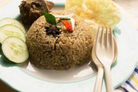 Praktis dan Mudah Bikin Nasi Kebuli dengan Bumbu Instan Ini, Mau Coba?
