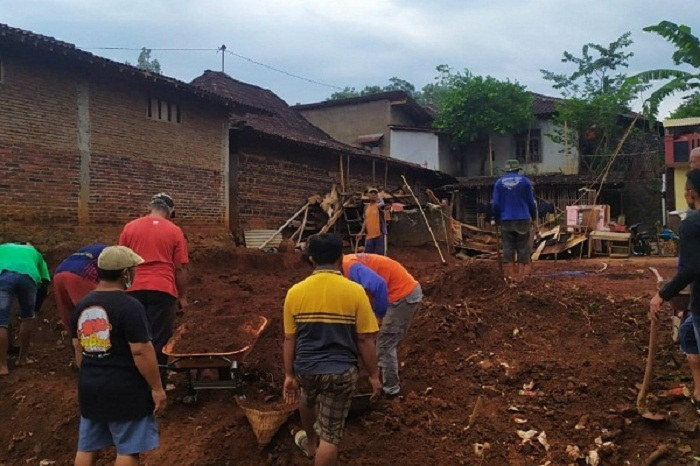 Inspiratif! Kelompok Warga Bakalan Wetan Wonogiri Galang Dana Untuk Renovasi Rumah Tak Layak Huni