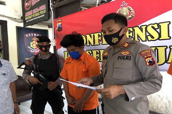 Niat Rampas Mobil, Pemuda Sumatra Pukul Kepala Sopir Taksi Online di Kadipiro Solo Pakai Batu Kali