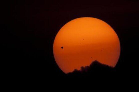 Penampakan Venus dari Bumi. (Reuters)