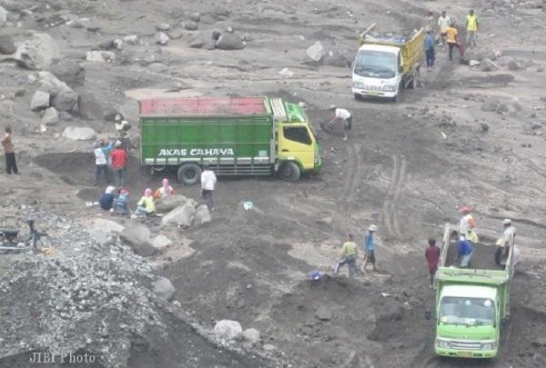 Ilustrasi penambangan pasir di lereng Gunung Merapi. (dok-Solopos)
