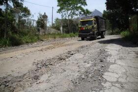 Rusak Parah, Penambalan Jalur Evakuasi di Klaten Menunggu Lelang