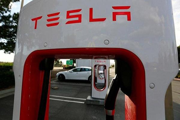Tesla Makin Dekat Indonesia, Apa Untungnya?
