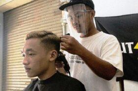 Siasati Pandemi, Barbershop di Sragen Buka Layanan Jemput Bola