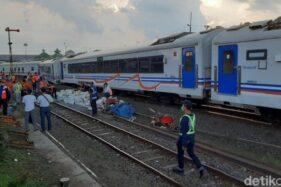 Tujuh rangkaian gerbong KA yang berjalan sendiri (Detik.com)