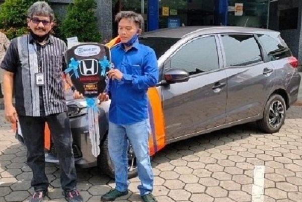10 Berita Terpopuler : Pedagang Nasgor Dapat Hadiah Mobil dari BRI