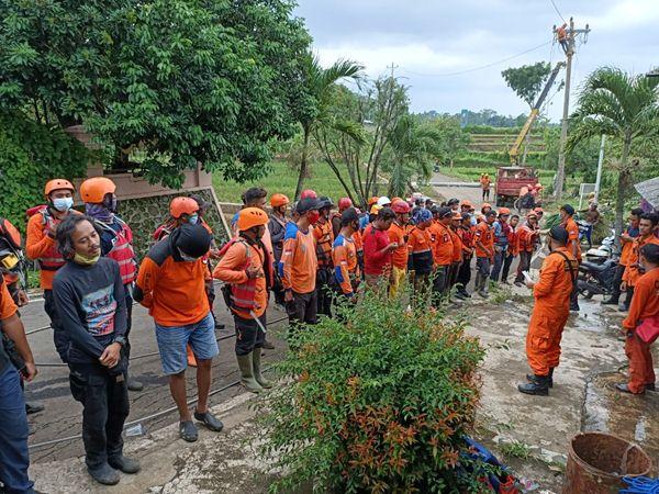 Ayah dan Anak Terseret Banjir Bandang di Kendal, Begini Kondisinya...