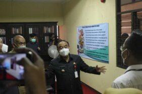 Pjs. Wali Kota Semarang, Tavip Supriyanto, saat meresmikan UPKSAI di Gedung Juang 45, Kota Semarang, Senin (23/11/2020). (Semarangpos.com-Yayasan Setara)