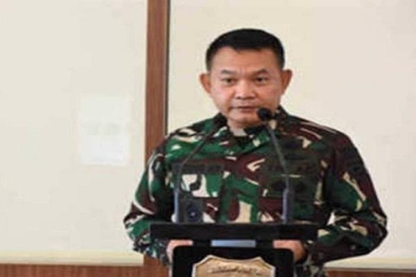 Fadli Zon Sindir Pangdam Jaya Menang Perang Baliho