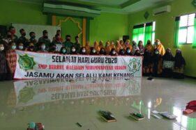 Suasana peringatan Hari Guru di SMP Birrul Walidain Muhammadiyah Sragen, Rabu (25/11/2020). (Solopos.com/Moh. Khodiq Duhri)
