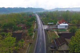 Jalur Lintas Selatan di kawasan Kecamatan Giritontro. (Instagram/@KitaGiritontro)