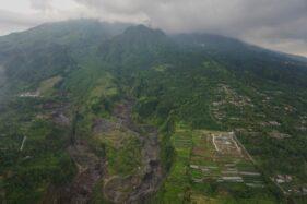 Penampakan salah satu sungai di sekitar Gunung Merapi, dalam pemantauan dari udara BPPTKG dan BPBD DIY, Kamis (26/11/2020). (Istimewa/Humas Pemda)
