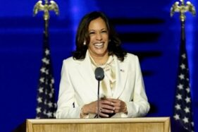 Kamala Harris Berikan Pidato Kemenangan Sebagai Wakil Presiden Wanita Amerika Serikat