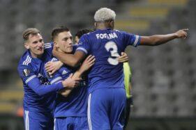Pemain Leicester City merayakanb gol. (REUTERS/Miguel Vidal)