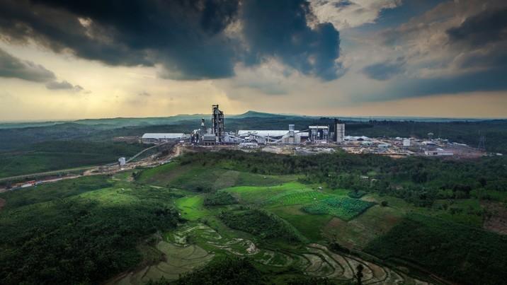 Pabrik Semen Gresik di Rembang