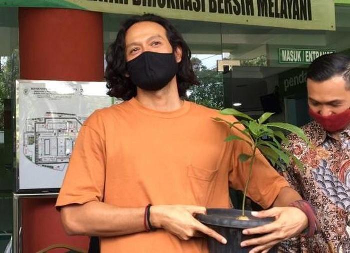 Bebas Setelah 6 Bulan Rehabilitasi, Begini Ekspresi Dwi Sasono