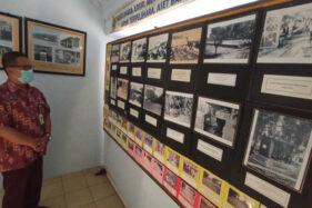 Sejumlah foto lawas terpampang di salah dinding Kantor Arsip dan Dokumentasi Sragen, Selasa (3/11/2020). (Solopos.com/Moh. Khodiq Duhri)