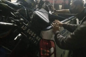 Sepeda motor yang terlibat kecelakaan di Jl Gajahmada, di kawasan sekitar Hotel Novotel, Kota Solo, Rabu (25/11/2020) sekitar pukul 20.30 WIB. (Istimewa)