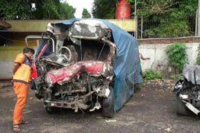 Salah satu kendaraan terlibat kecelakaan Tol Cipali, Senin (30/11/2020). (Detik.com)