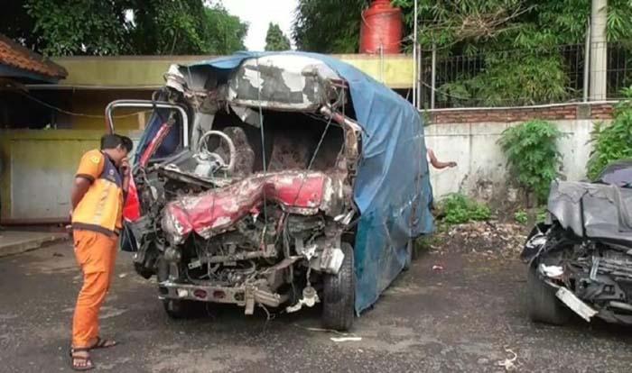 Tewaskan 10 Orang, Ini Kronologi Kecelakaan 3 Kendaraan di Tol Cipali