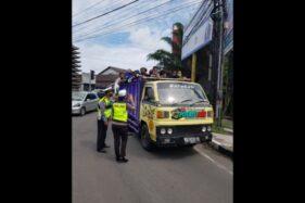Angkut Rombongan Wisatawan ke Tawangmangu Karanganyar, 2 Truk Diminta Putar Balik