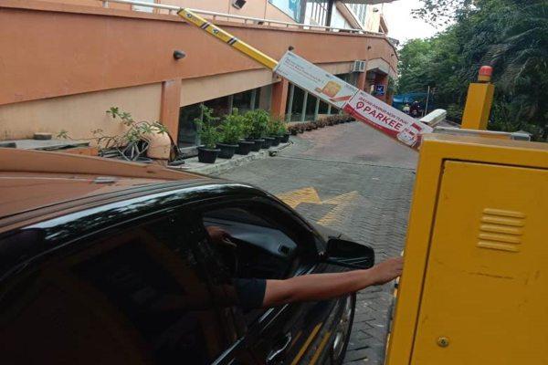 Cegah Persebaran Covid-19, Parkir Mal di Soloraya Bayar Murah, Cashless, dan Touchless