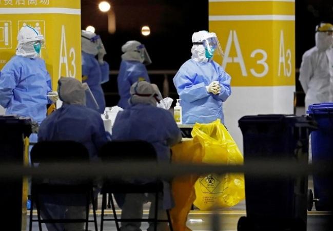 Staf Positif Covid-19, Ribuan Penumpang Terjebak di Bandara