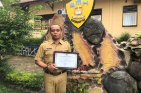 Gagas Sekolah Tanggap Bencana, Kepala SMKN Jenawi Karanganyar Diganjar Penghargaan